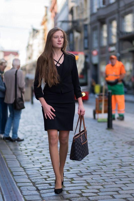 woman, portrait, city, prague, architecture, портрет, город. архитектура, прага, beautiful woman, dress Beautiful woman in the cityphoto preview