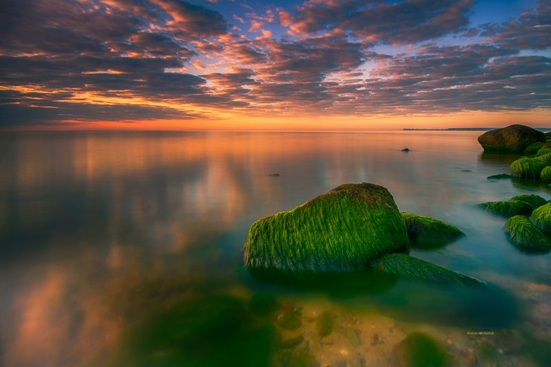 Stone, sea, landscape, sunrise, mosses, lichens, clouds, colorful world, sunrise colors. Sea stones.photo preview