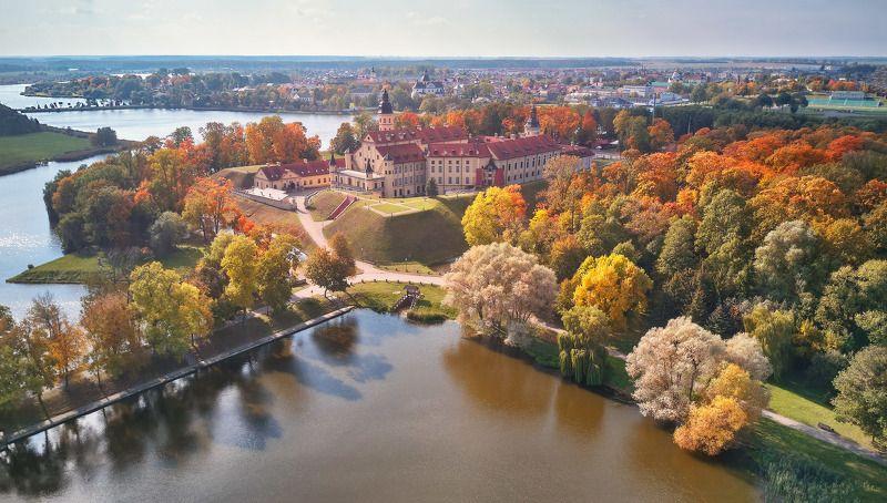 беларусь, замки, несвиж, озеро, осень, парк, сентябрь Несвиж в осеннем убранствеphoto preview