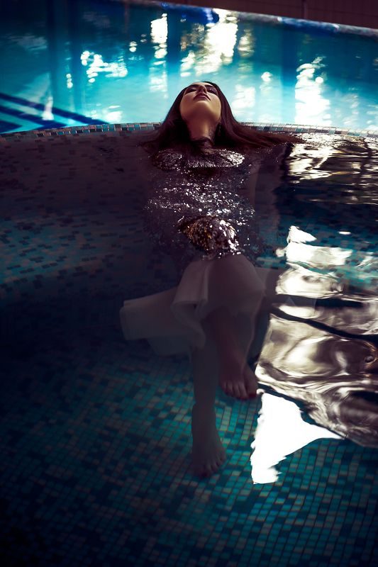 woman, portrait, fashion, beauty, indoors She dreams of an Oceanphoto preview