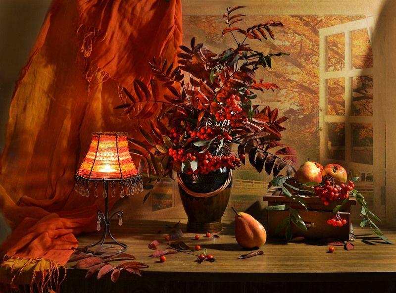 still life, натюрморт, цветы, фото натюрморт, рябина, осень, октябрь, груши ,лампа, настроение Что с душою осенью творится?photo preview