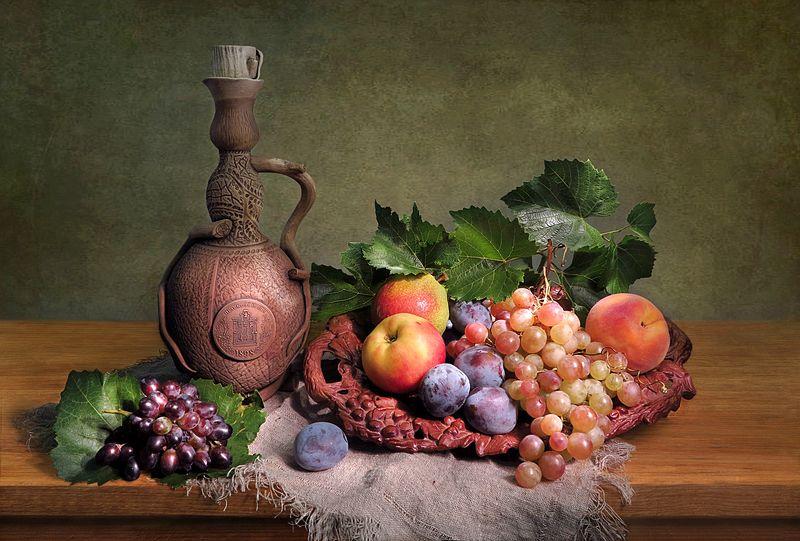 натюрморт,кувшин,виноград,яблоки,персик Кувшин и виноградphoto preview