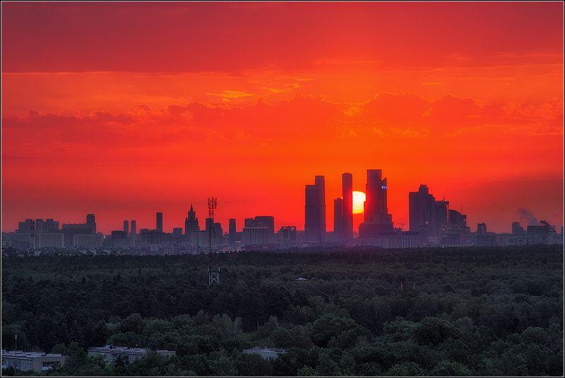 москва, восход солнца Начало нового дняphoto preview