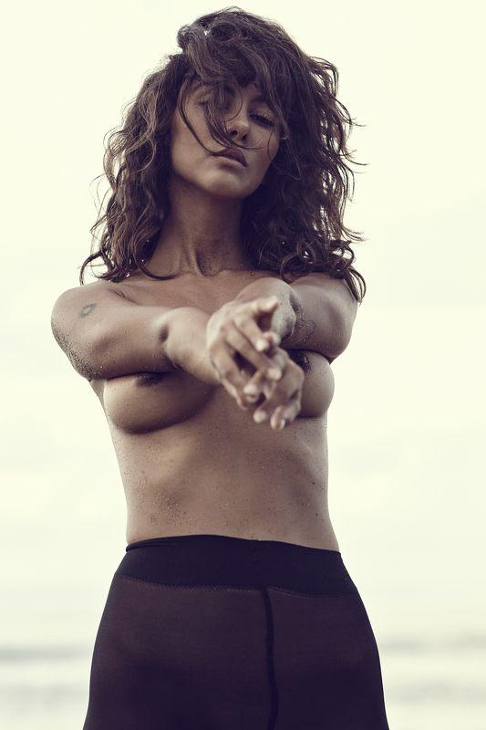 модель, девушка, женщина,  женственность, ню, чувственность, ноги, грудь, тело, nude, nud, голая, обнаженная photo preview