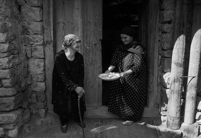 аул,бабушка,люди,село,дагестан,тлох,ботлихский район, Угощения..photo preview