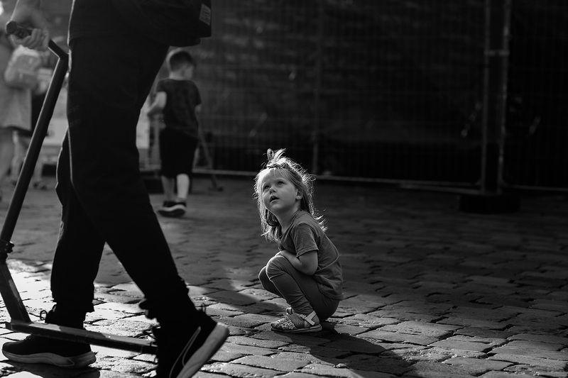 чб фото, дети, уличная фотография, жанровый портрет photo preview