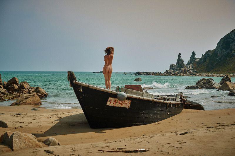 ню на море ожиданиеphoto preview