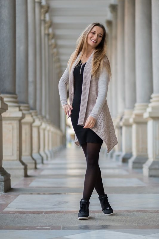 woman, portrait, city,, architecture, портрет, город. архитектура, karlovy vary, beautiful woman, dress Beautiful woman in the cityphoto preview