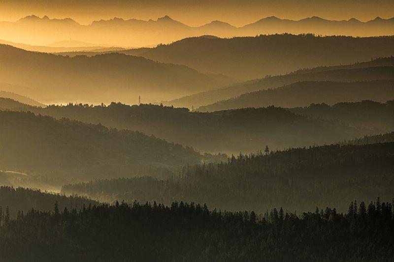 Golden mountainsphoto preview