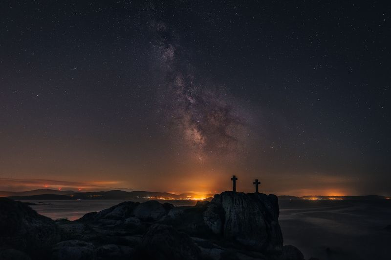 #milkyway #night #cross #cosmos #stars #sea Milky Way over Roncudo placephoto preview