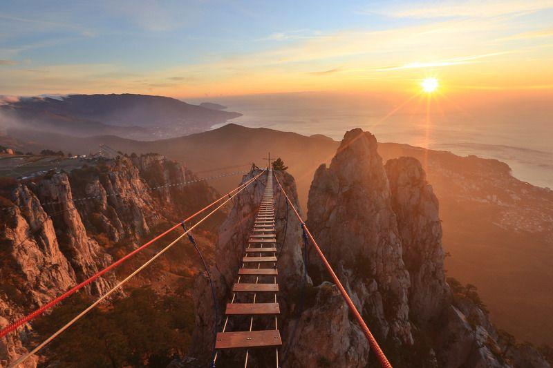 ай-петри, крым, ялта, аю-даг, черное море, пейзажи крыма Подвесной мост на Ай-Петриphoto preview