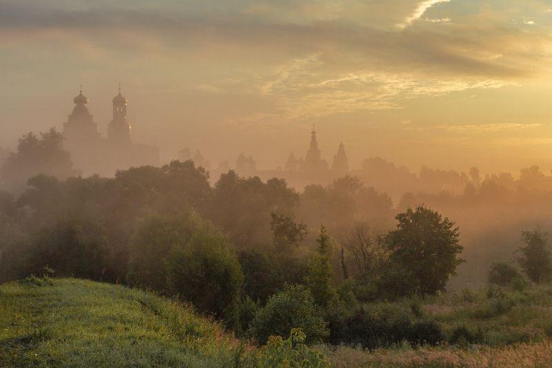 Истра Раннее утро в Истреphoto preview