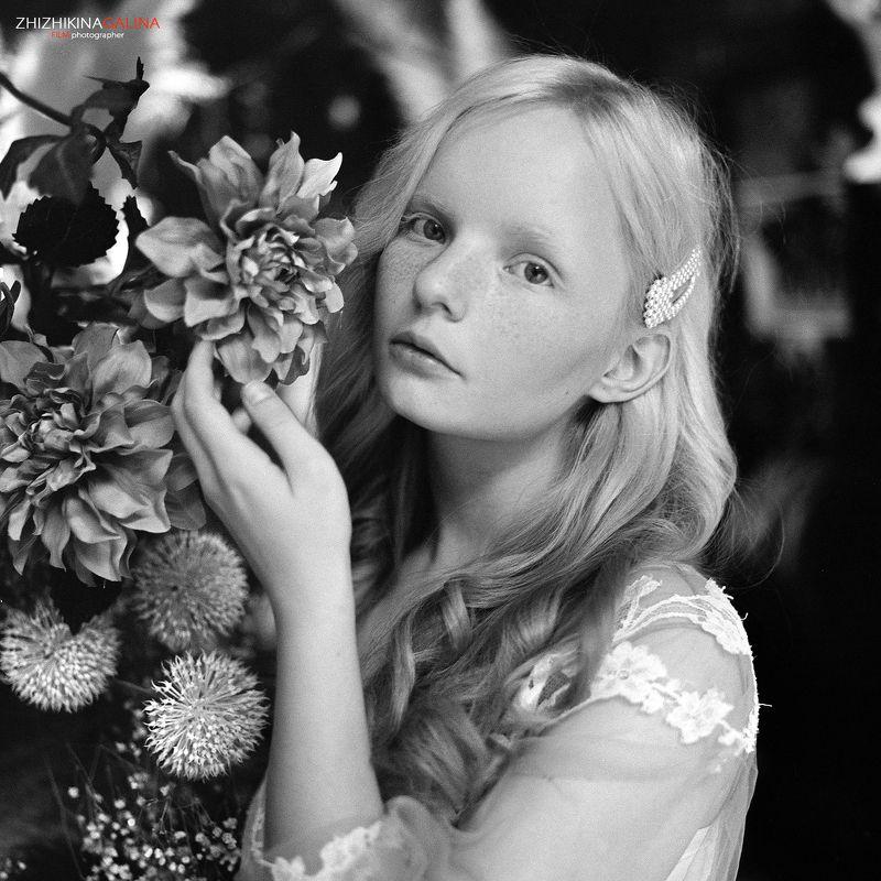 пленка, чб, черно-белое, портрет, лицо, portrait, face, girl, film, bw, black and white, b&w Иринаphoto preview