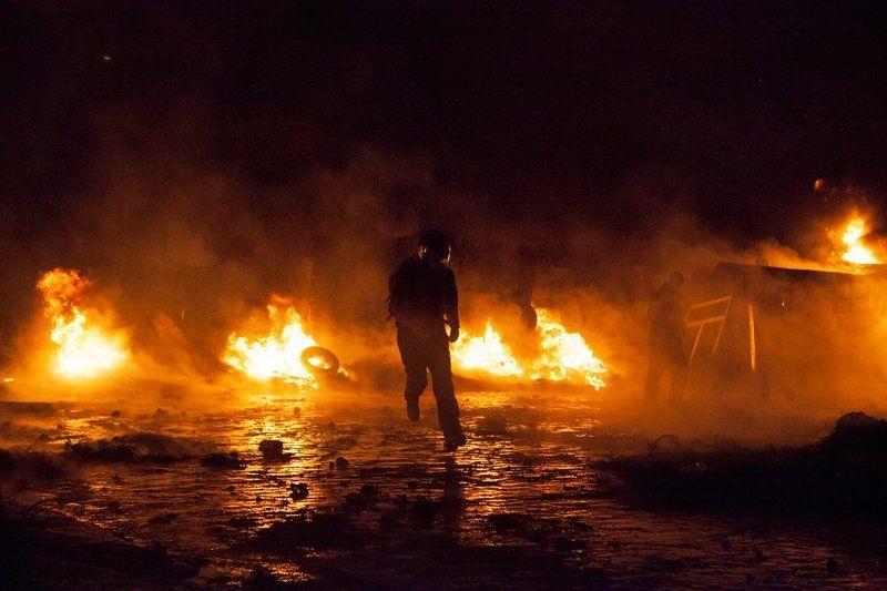 евромайдан, люди, огонь, киев, революция в огнеphoto preview