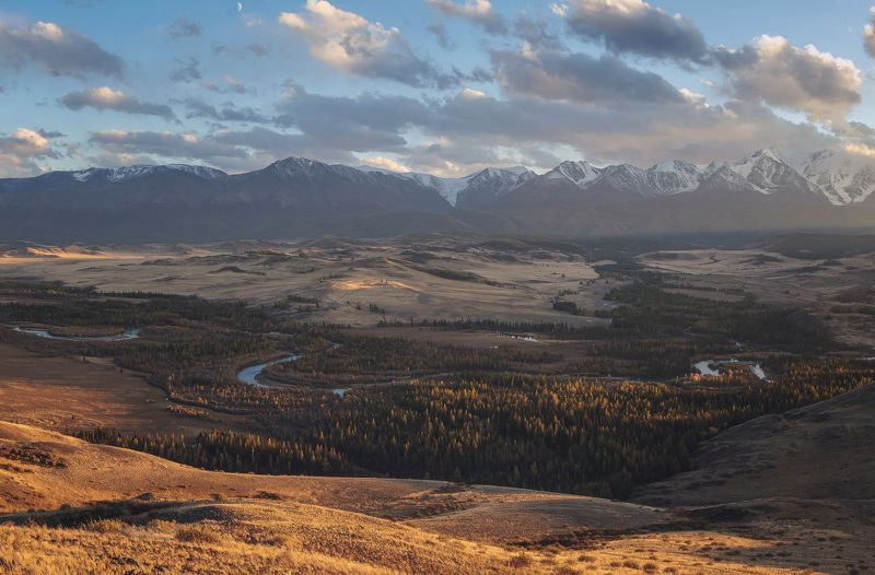 Закат. Вид на Чую и Северо-Чуйский хребетphoto preview