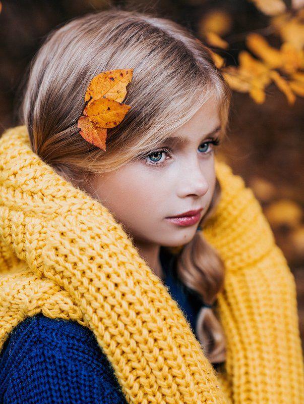 девочка, ребенок, портрет, детский портрет, портрет девочки, глаза. детское портфолио,осень,стиль,взгляд,детский фотограф Алина осенняя историяphoto preview