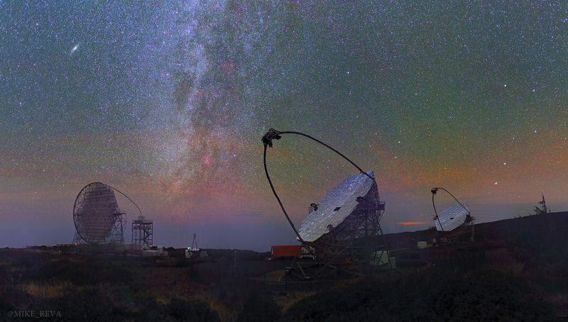 ночь канарские острова обсерватория ночной пейзаж астрофотография звезды созвездия MAGIC за работойphoto preview