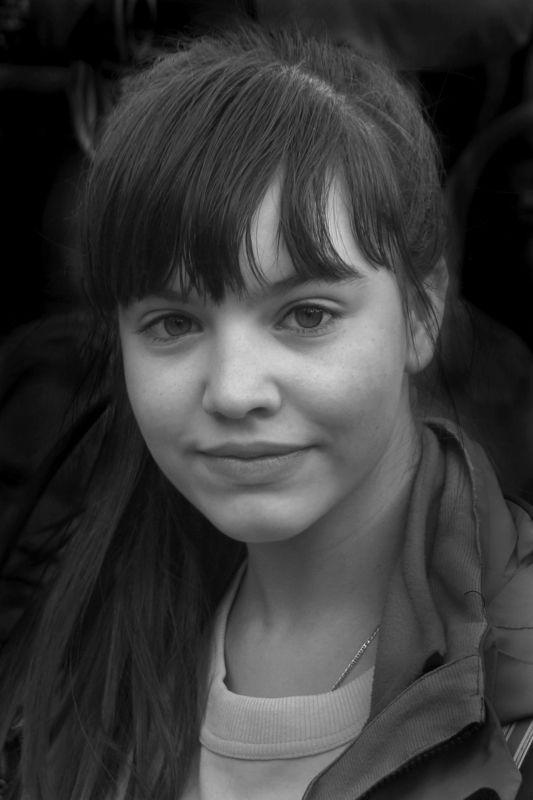 девушка, портрет, глаза, взгляд, волосы, апатиты Портрет очаровательного созданияphoto preview