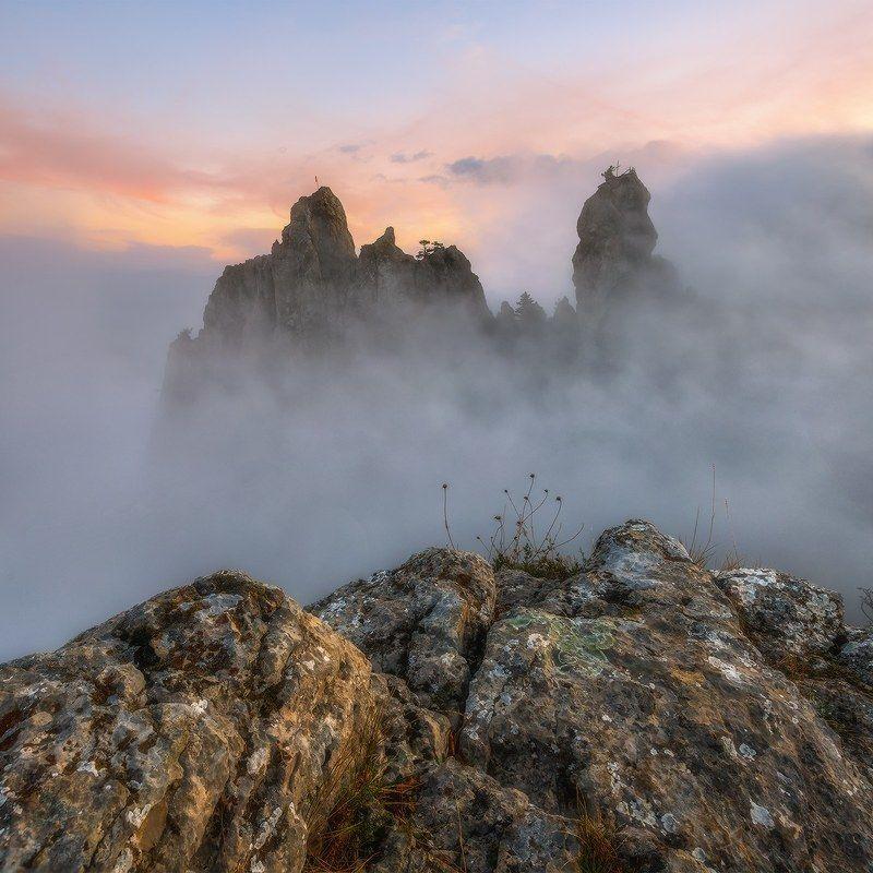 крым, ай-петри, зубцы, вечер, закат, туман, осень, октябрь -Вышел ёжик из тумана-photo preview