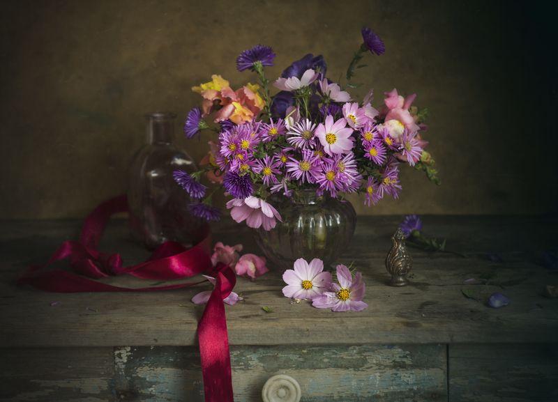букет цветов, атласная лента, натюрморт Букет с атласной лентойphoto preview