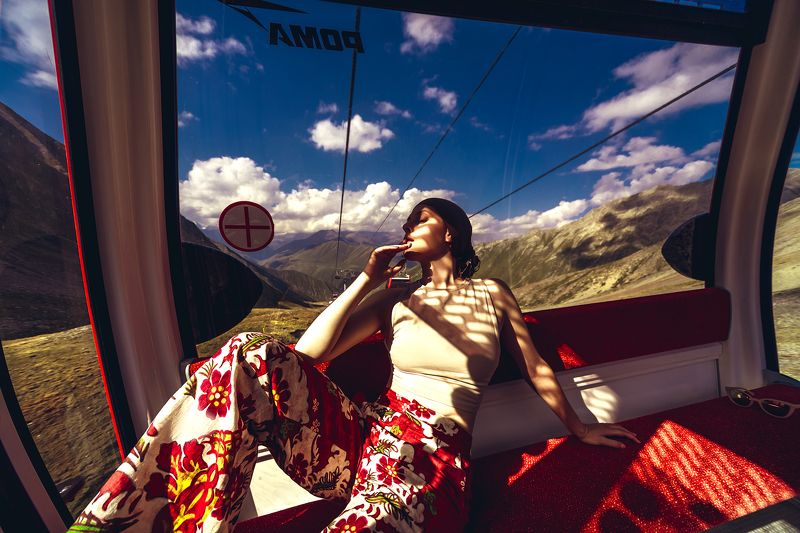woman, portrait, fashion, beauty, outdoors 3500mtrs High Fashionphoto preview