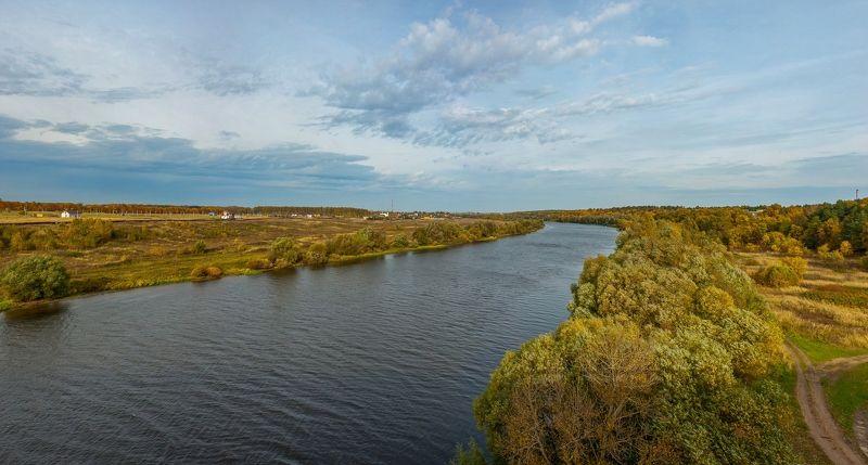 На изгибе рекиphoto preview