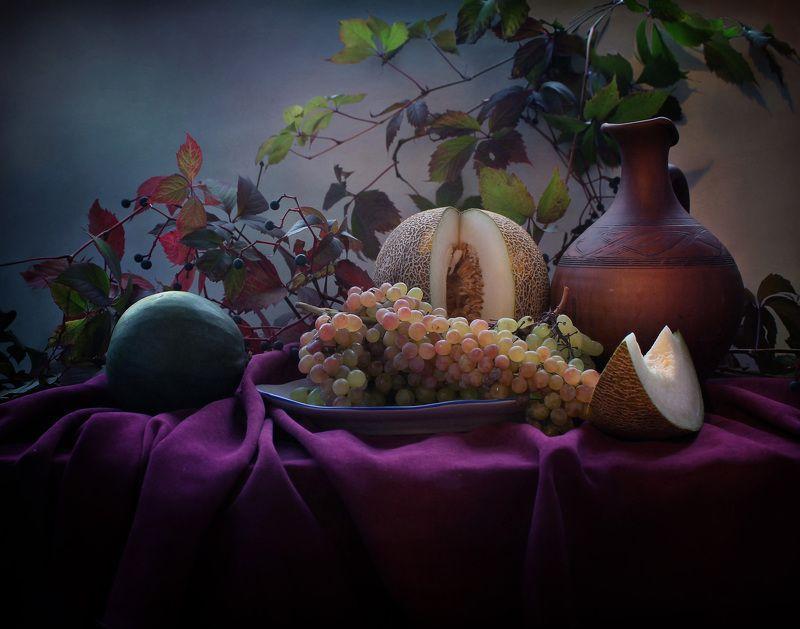 натюрморт, осень, листья, виноград, арбуз, кувшин Октябрьphoto preview