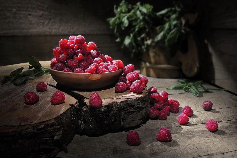 малина ягоды фрукты ежевика сад дача витамины урожай Рассыпалась...photo preview