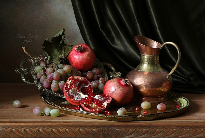 фрукты Фрукты на подносеphoto preview