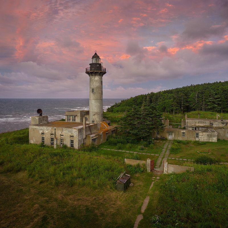 сахалин, мыс свободный, маяк тонин Сахалин. Маяк Тонинphoto preview