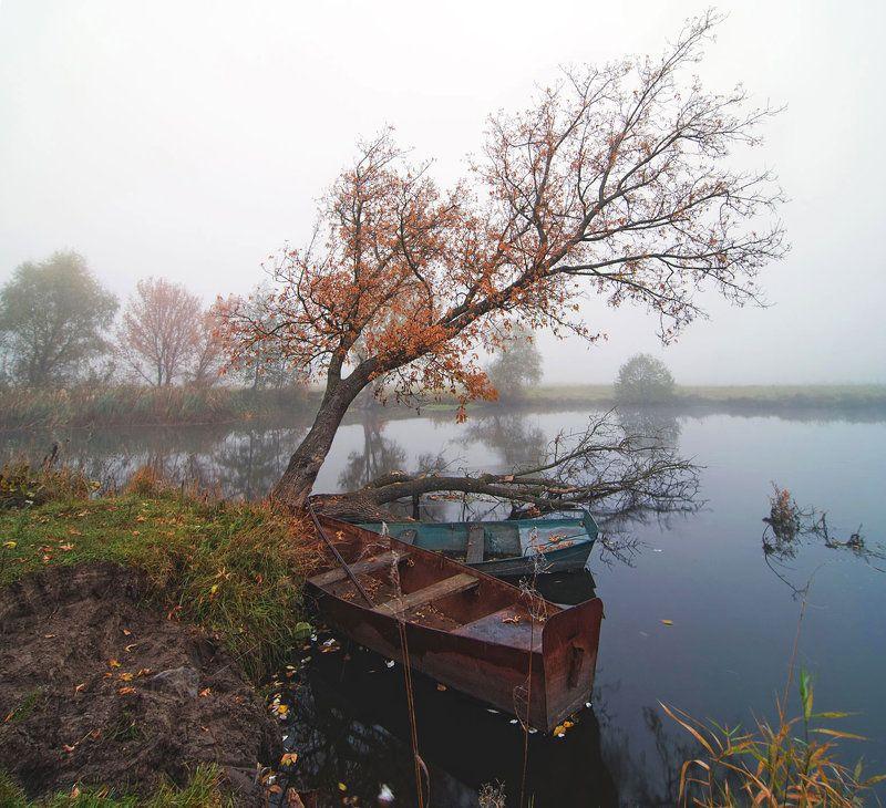 осень, речка, лодки осеннее настроениеphoto preview