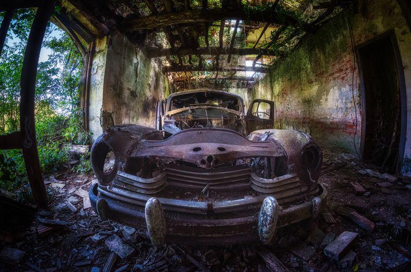 car oldcar garage abandoned urbex The old Hudsonphoto preview