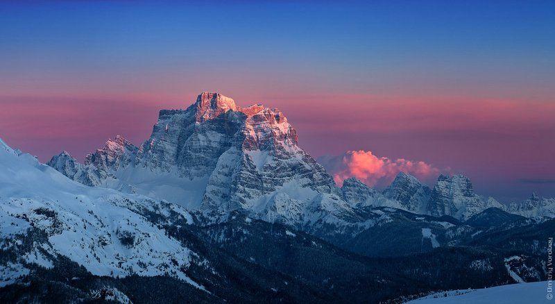 Вечерний взор на Monte Pelmo(3.168m)photo preview