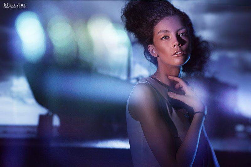 Portrait, Projector, Studio Freezephoto preview
