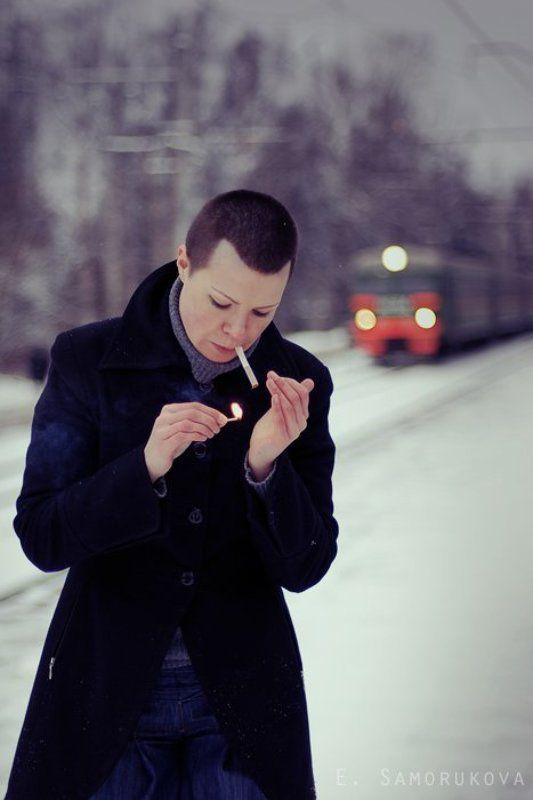 девушка, беломор, поезд, зима, холод огниphoto preview