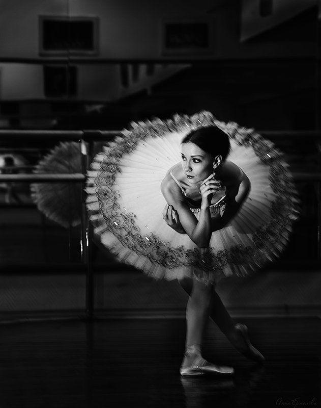 Балерина, Балет, Балетный класс, Екатерина Покровкая, Пачка, Пуанты В балетном классе. Балерина Екатерина Покровкаяphoto preview