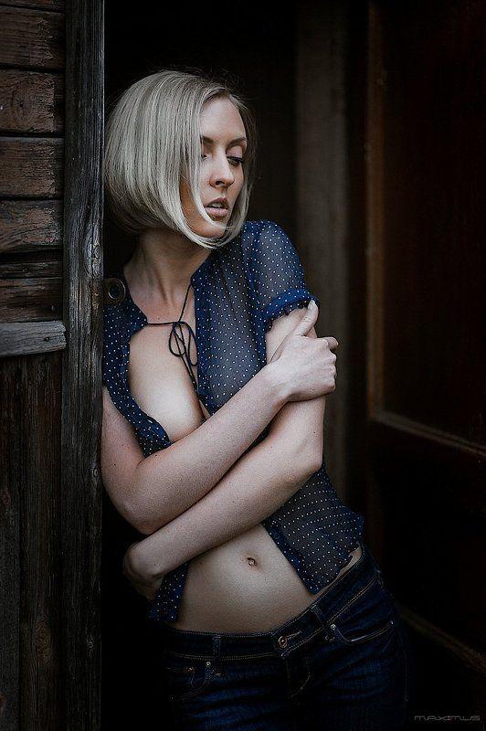 девушка, портрет, ню, гламур, бревна, лесопилка, дровосек Мечта дровосекаphoto preview