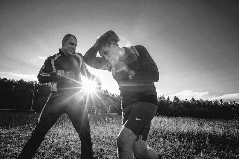 Вечерняя тренировка спортсменов.photo preview