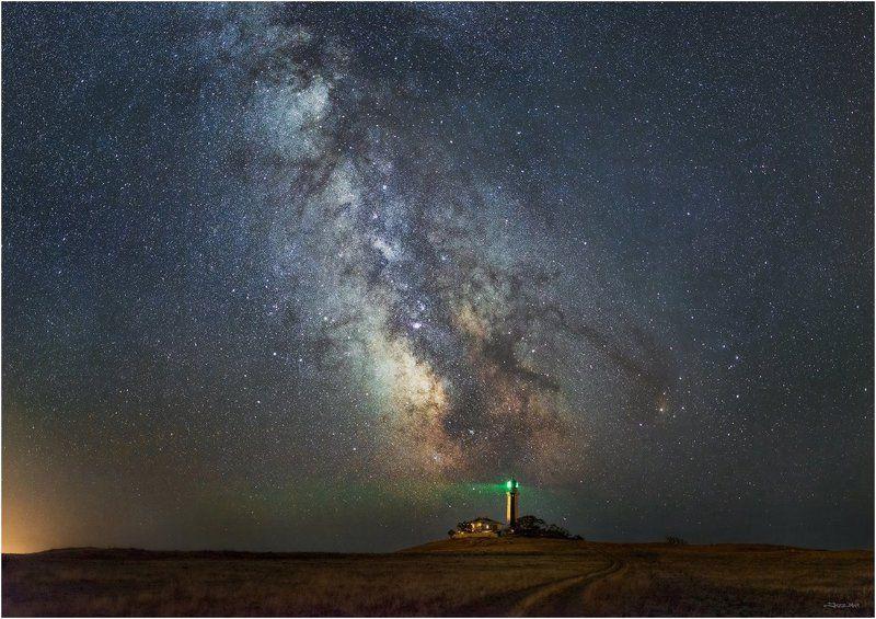 звезды, крым, маяк, млечный путь, небо, ночь, панорама ...Ориентиры...photo preview
