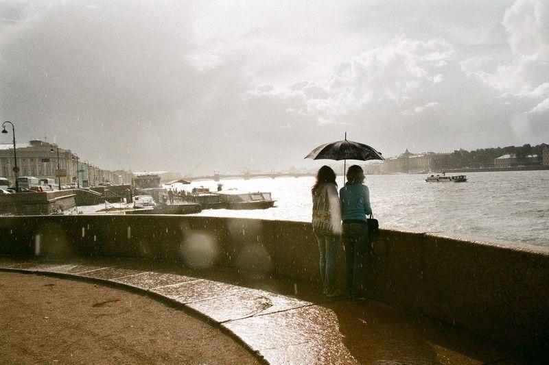 rain, umbrella, дождь, зонт, Кораблики, мокро, Набережная, Небо, Нежность, Осень, Питер, санкт-петербург, Солнце Дождь в Петербургеphoto preview