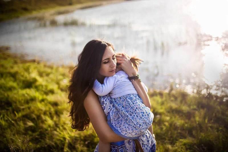 Мать и дитяphoto preview