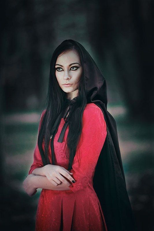 135 mm 2.0, Forest, Girl, Portrait, Witch The witchphoto preview