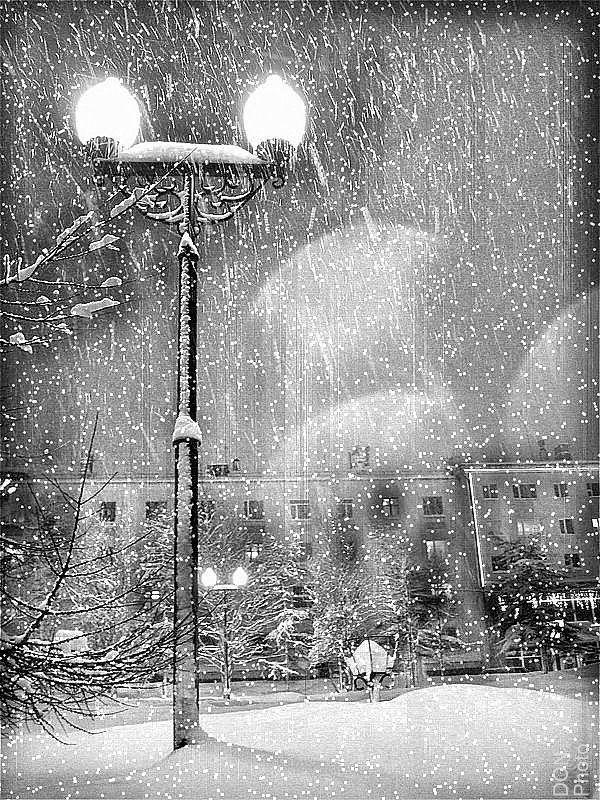 падал прошлогодний снег...photo preview