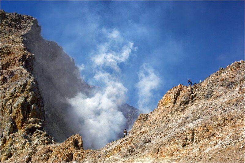 Фотографы в кратере )photo preview