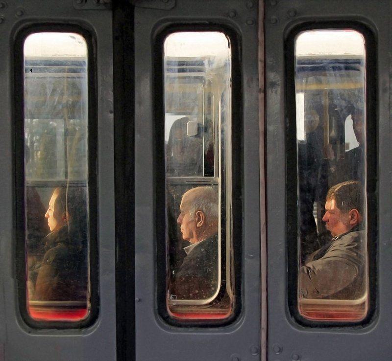 люди, транспорт Триптихphoto preview