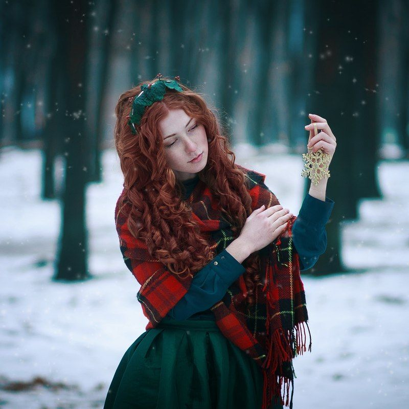 christmas, 85 mm 1.8, portrait, red hair Зимняя сказкаphoto preview