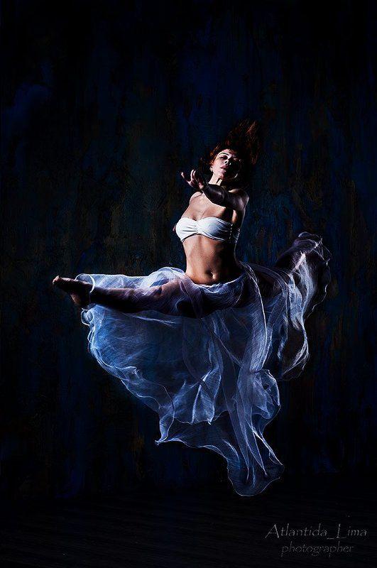 танец прыжок юбка девушка танец 3photo preview