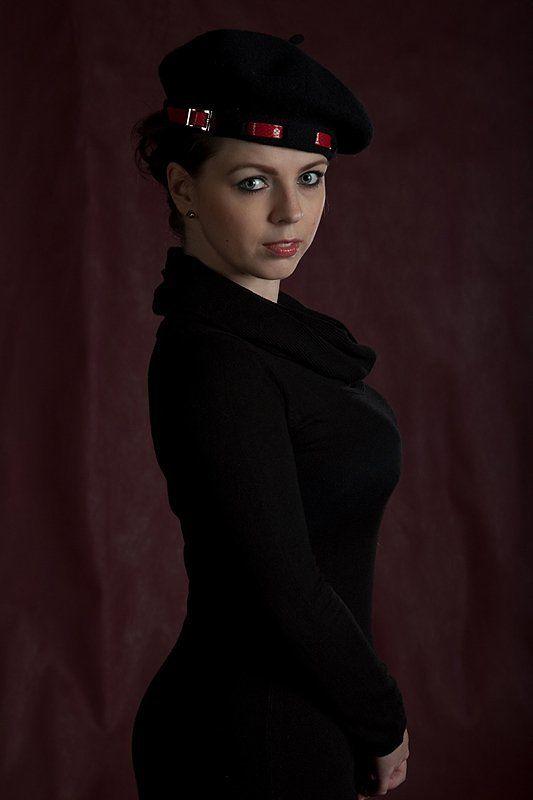 портрет, студия, постановка, съемка в низком ключе, художественное фото Портрет неизвестной в мягких тонахphoto preview