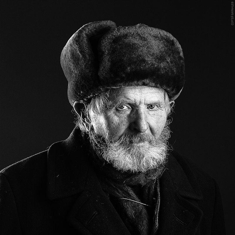 Дед, Дедушка, Мужской портрет, Студийный портрет, Чб Дедphoto preview