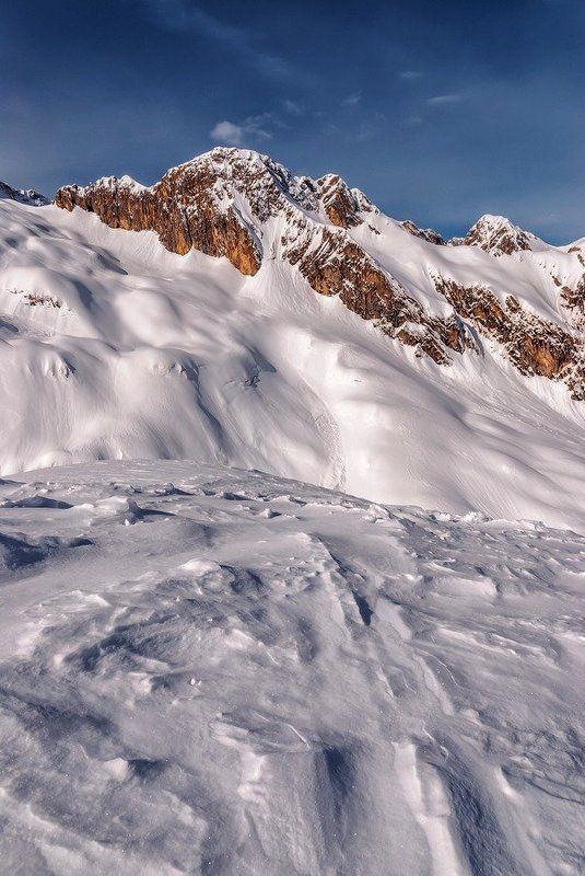 Зима и горыphoto preview